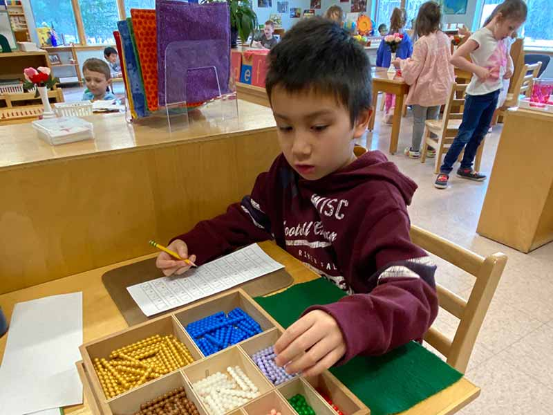 Extended Day (ages 5-6) programs from Kennebec Montessori School